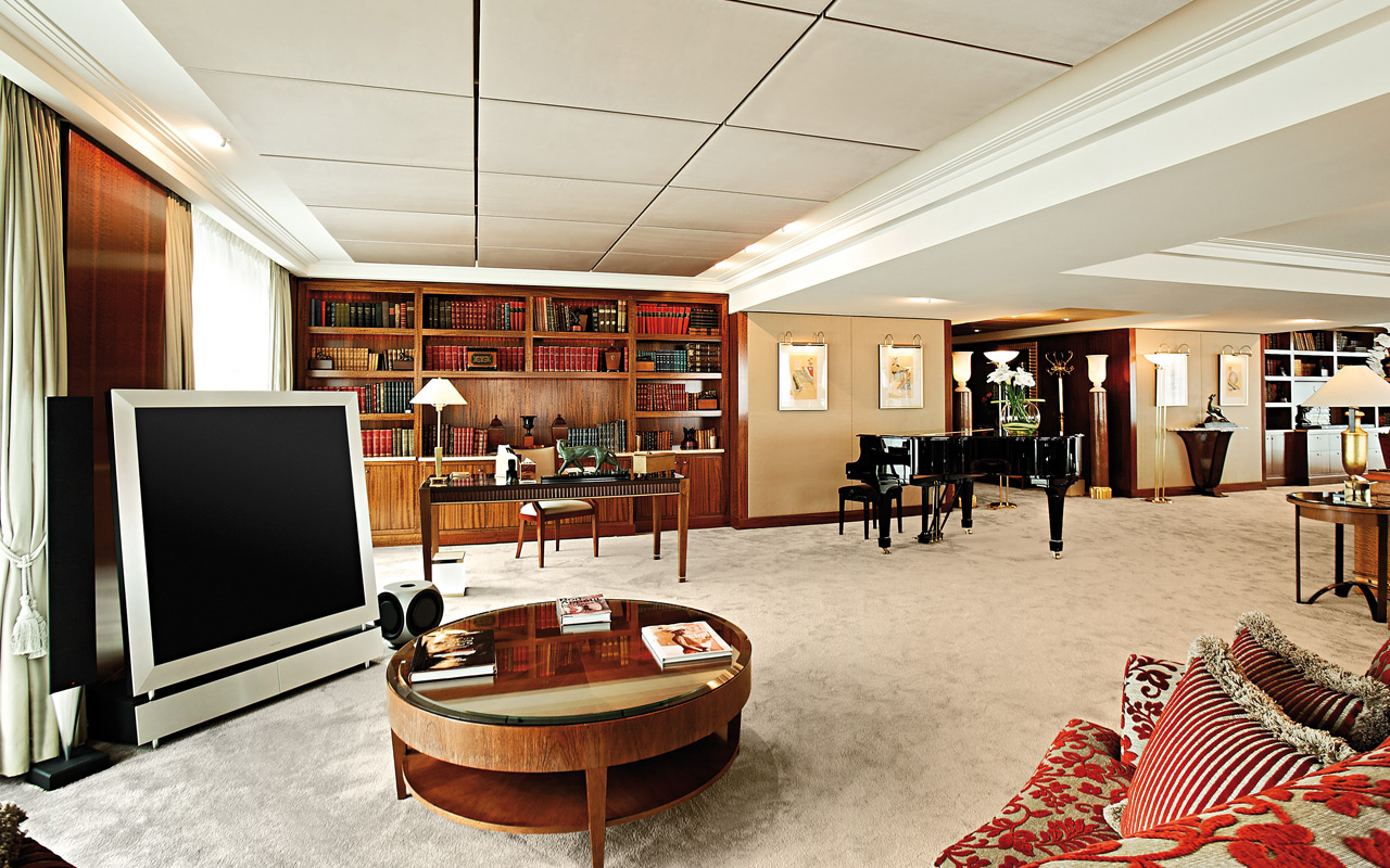 Royal-Penthouse-Suite-Hotel-President-Wilson